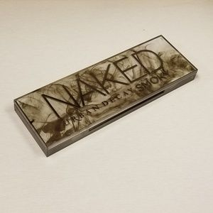 Urban Decay Smoky Eyeshadow palette